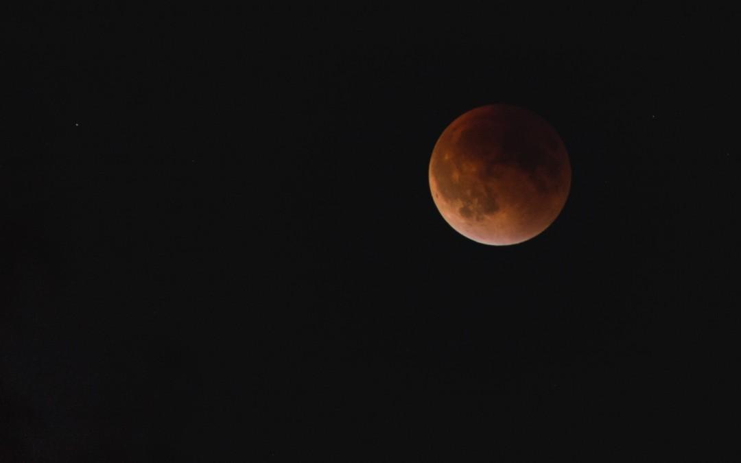 Super Blood Moon Lunar Eclipse in Seattle